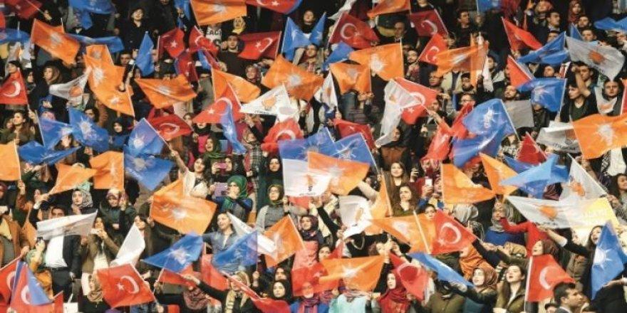 AK Parti'de kongrelerin yarısı tamam