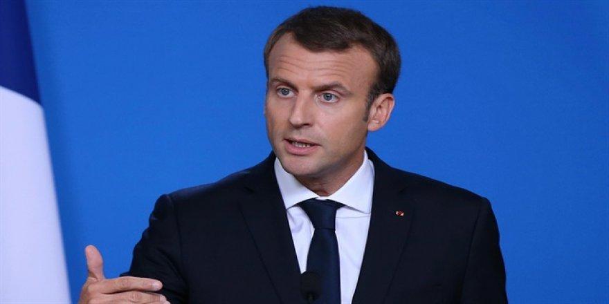 Macron, Barzani ile telefonda görüştü