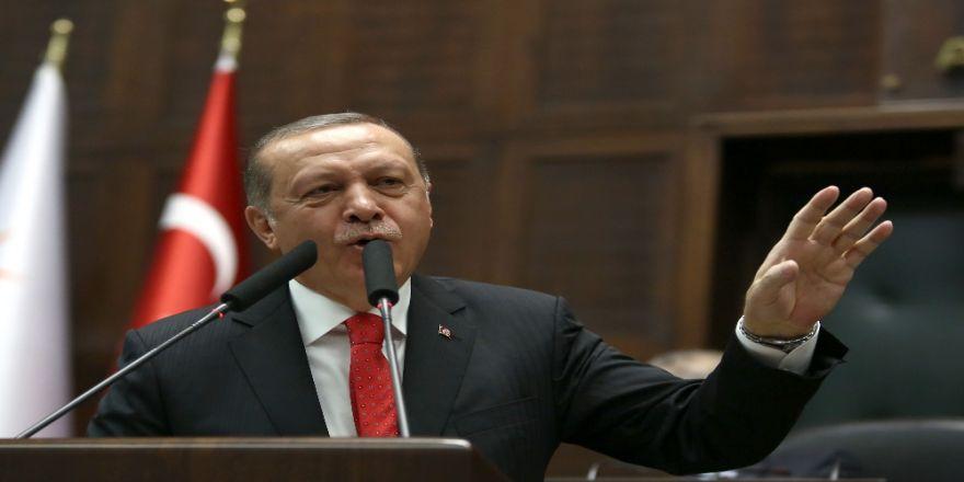 Yunan Dışişleri Bakanını Kabul Etti