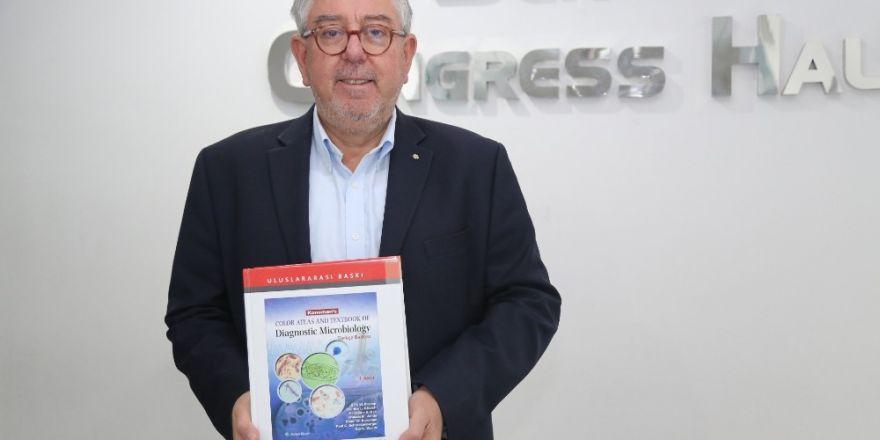Prof. Dr. Başustaoğlu, Tıp Dünyasına Bir Kitap Daha Kazandırdı