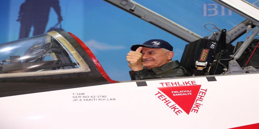 Başbakan Yıldırım, Savaş Uçağı Kokpitinde
