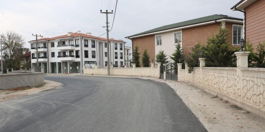Süleyman Binek Caddesi Sıcak Asfaltla Kaplandı