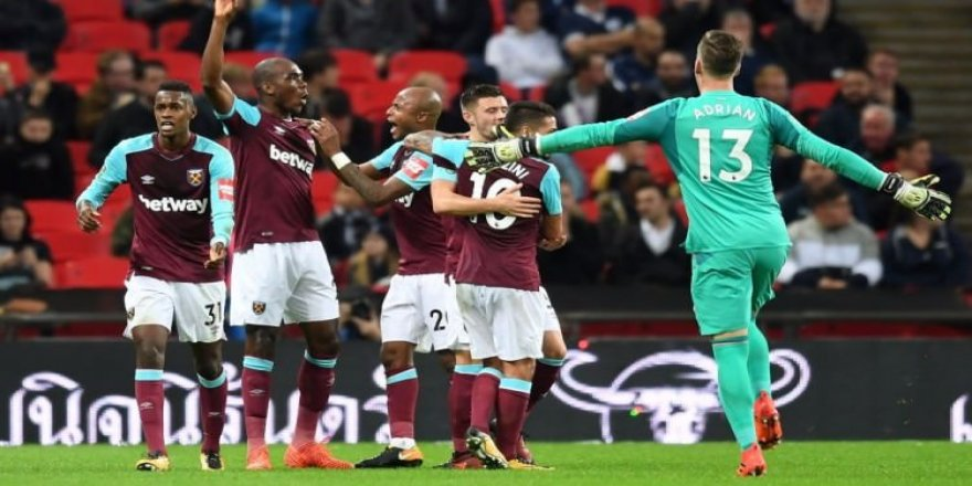 West Ham'dan tarihi geri dönüş!