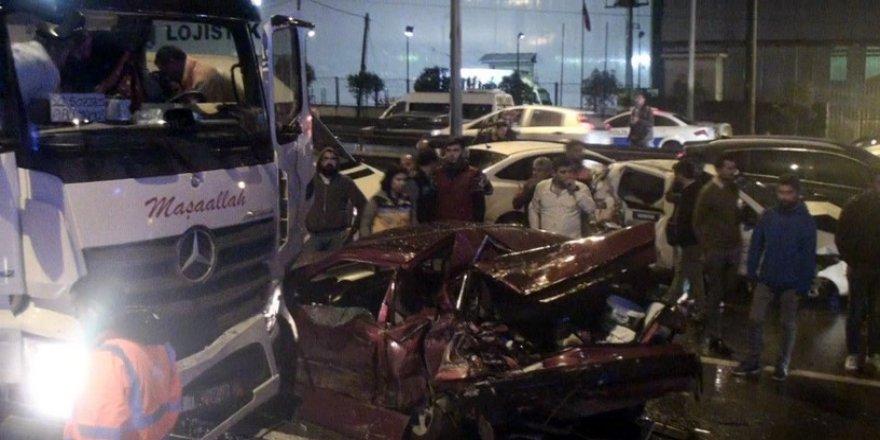 Tır önündeki 10 aracı biçti: 8 yaralı