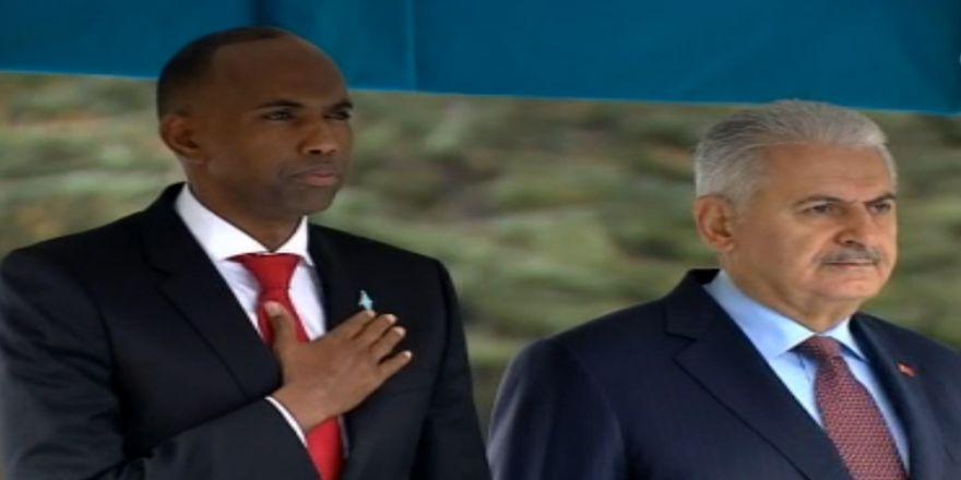 Yıldırım, Somalili Mevkidaşını Resmi Törenle Karşıladı