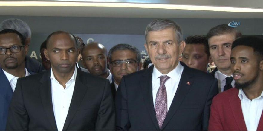 Bakan Demircan'dan Somalili Yaralılara Ziyaret