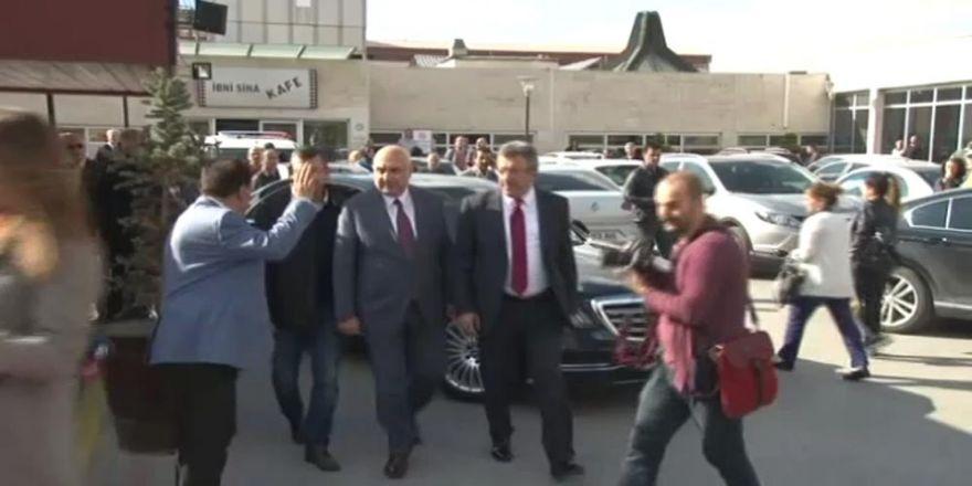 Chp Grup Başkan Vekilleri Deniz Baykal'ı Ziyaret Etti