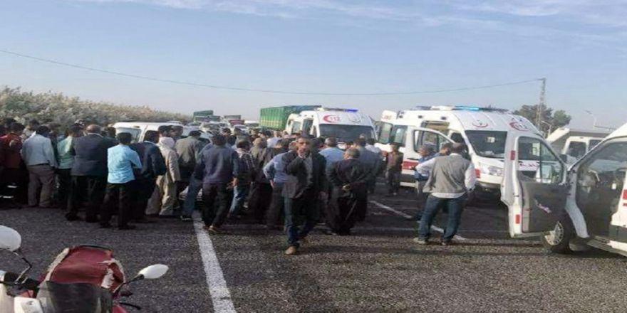 Otomobil Traktörden Ayrılan Römorka Çarptı: 1 Ölü, 3 Yaralı