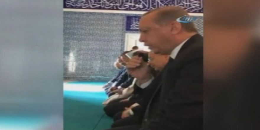 Cumhurbaşkanı Erdoğan Kur'an Okudu