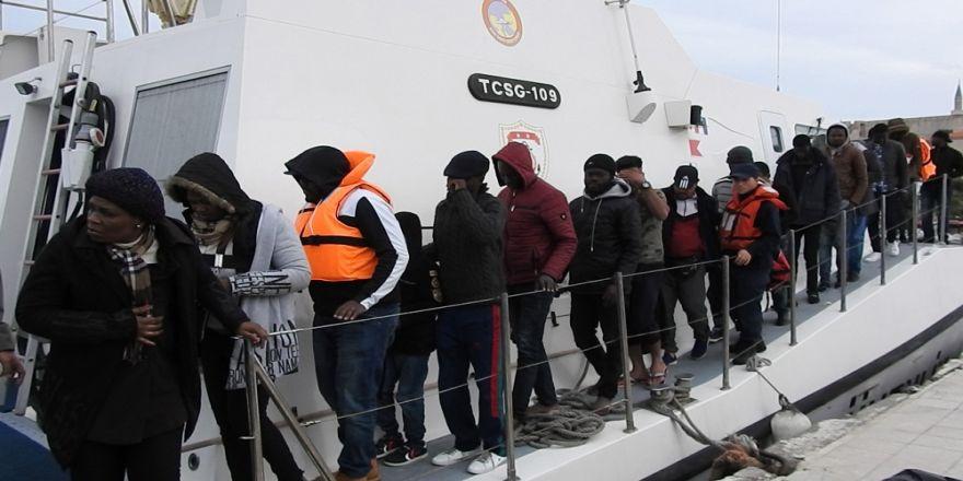 Çeşme'de Ölüme Yolculukta Yine 104 Göçmen Yakalandı