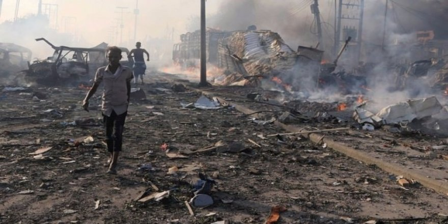 Somali'de iki büyük patlama!