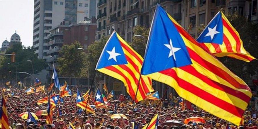Katalonya lideri o ülkeye gitti