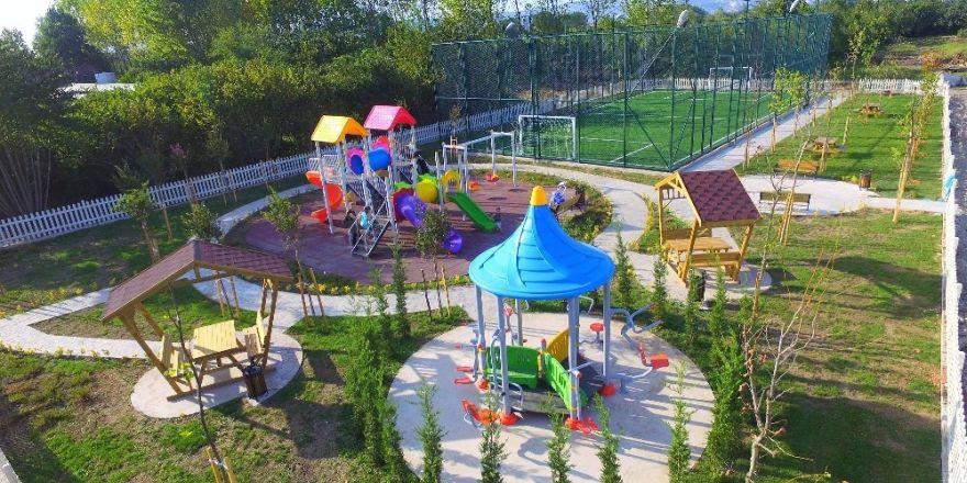 Başiskele'ye Yeni Çocuk Parkları Yapıldı