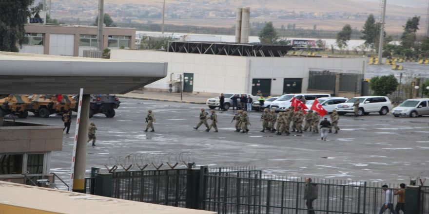 Devir Teslimin Ardından Askerler Tatbikat Alanına Döndü