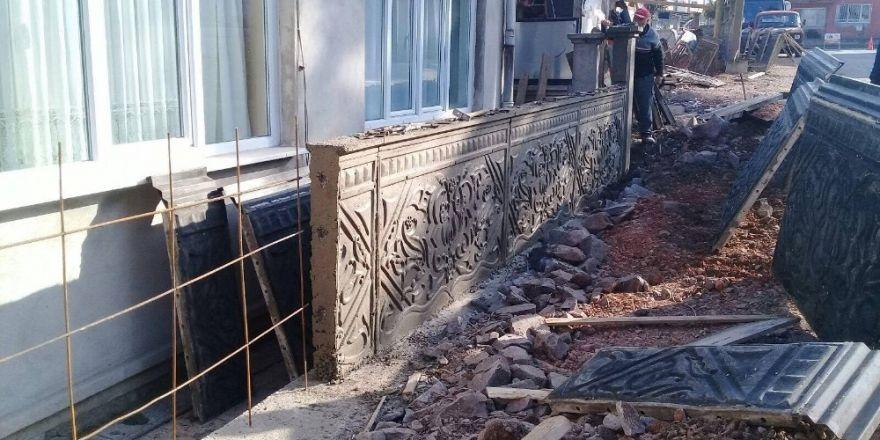 Sokaklara dekoratif duvarlar yapılıyor