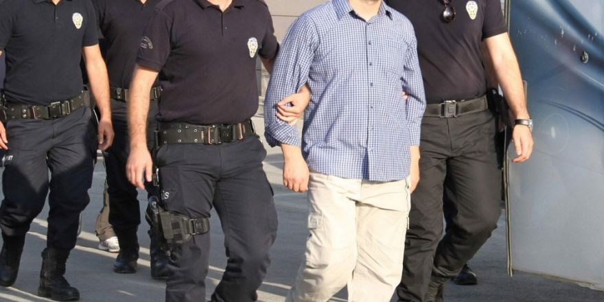 Fetö Davasında 40 Polise Tutuklama