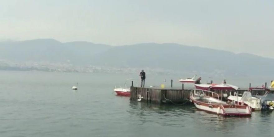 Balık İçin Olta Salladığı Denizde Martı Yakaladı