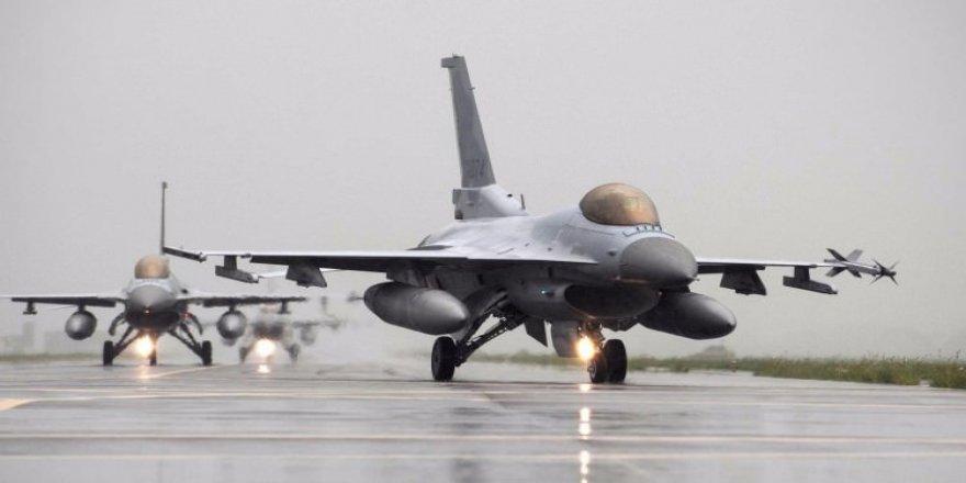 ABD, Irak'a 3 adet F-16 gönderdi