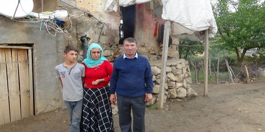 7 Nüfuslu Aile Tek Odada Yaşam Mücadelesi Veriyor