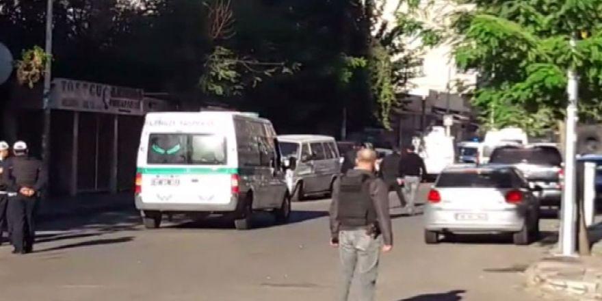 Diyarbakır'da Operasyon: 1 Polis Şehit, 4 Polis Yaralı