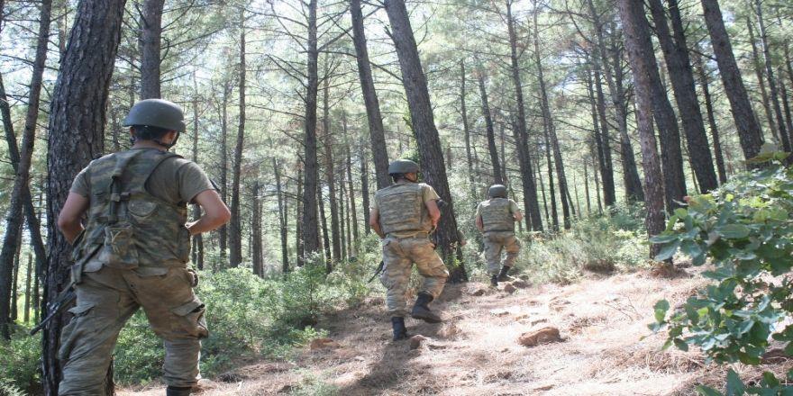 Öldürülen Terörist Kadın Ve Çocukları Kalkan Yapmış