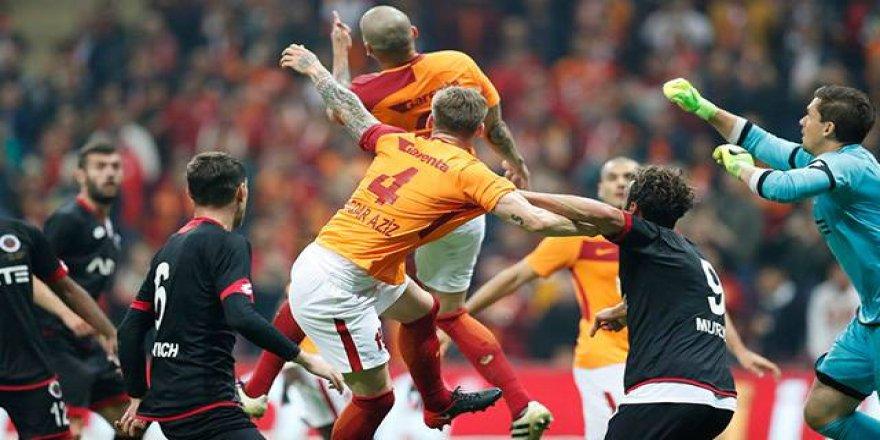 Galatasaray'da büyük darbe!