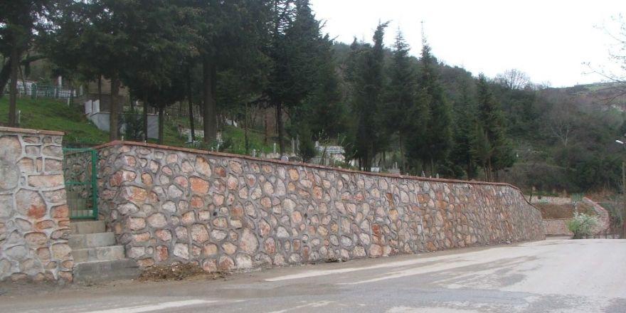 Kocaeli'de Mezarlıklar Elden Geçiyor