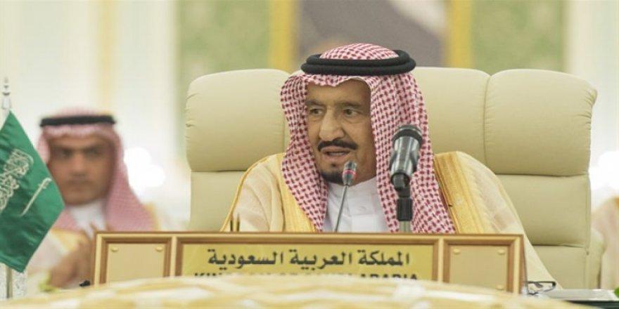 Suudi Arabistan'da hareketli saatler