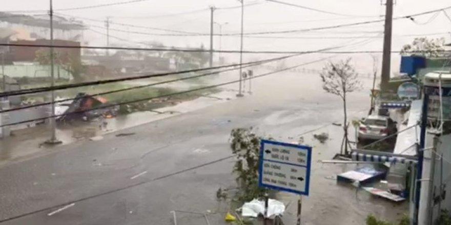 Vietnam'da Damrey tayfunu: 20 ölü 17 kayıp