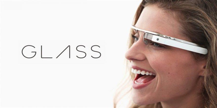 Google Glass AR teknolojisiyle geri gelebilir