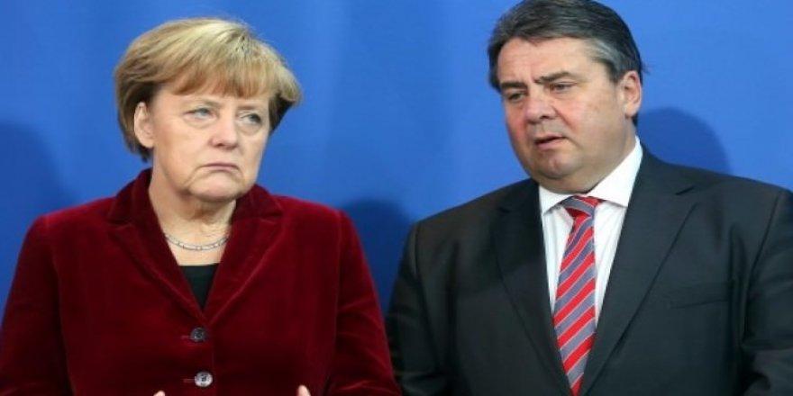 Gabriel'den Merkel'e soğuk duş!