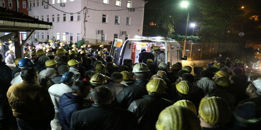 Madencilerin Eylemi 12 Saate Ulaştı