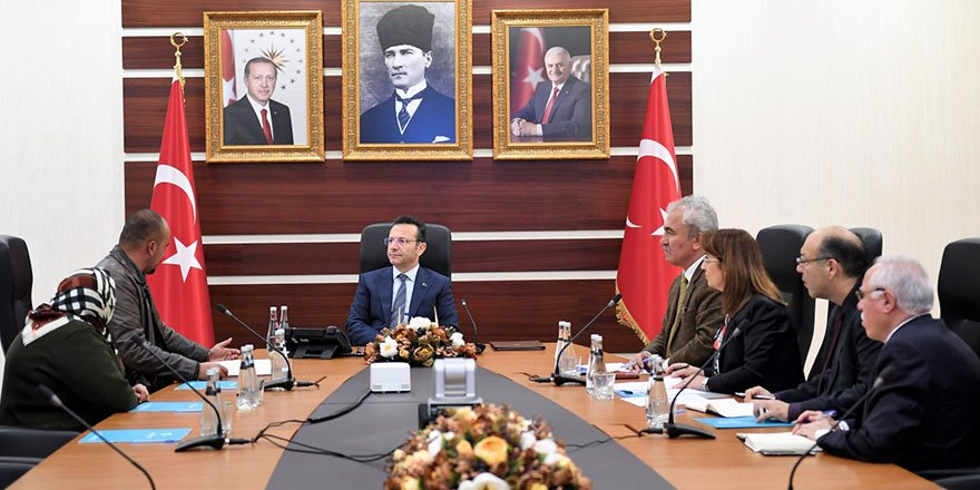 Vali Aksoy, vatandaşlarla bir araya geldi