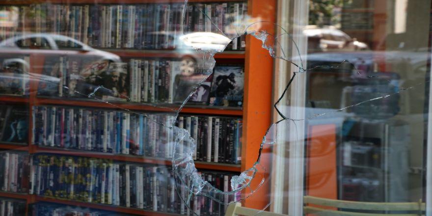 Mhp'li İlçe Başkanının Dükkanı Kurşunlandı