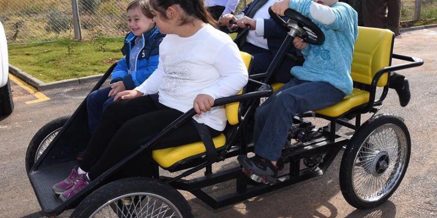 Down Sendromlu Ve İşitme Engelli Çocuklarla Mutluluğa Pedal Çevirdiler