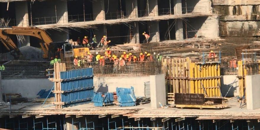 İstanbul'da Şantiyede Göçük: 1 İşçi Toprak Altında