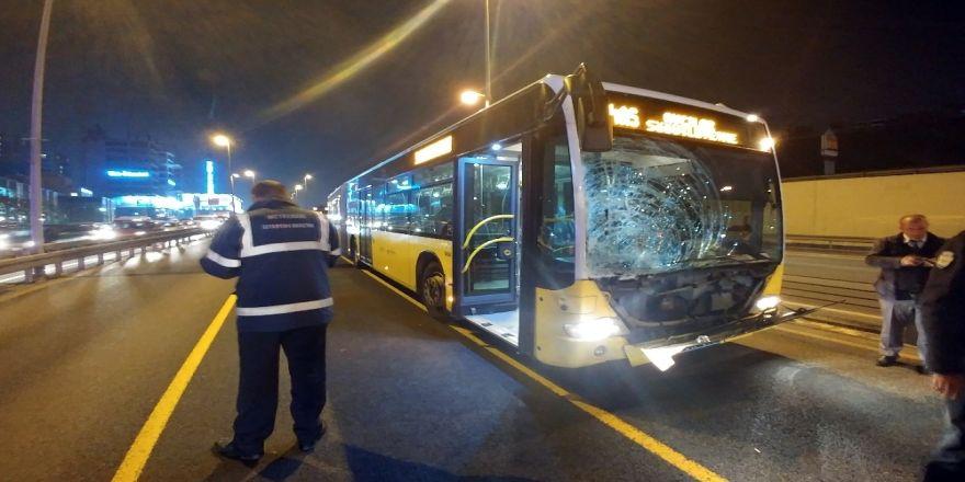 Metrobüse Kaçak Binmek İsterken Canından Olacaktı