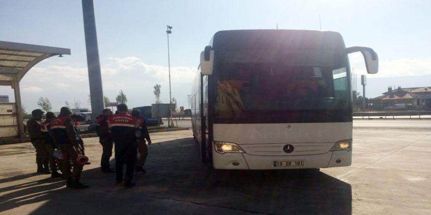 Otobüste Yakalandılar !