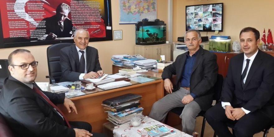 Burhaniye'de Okullardaki Hizmetli Sıkıntısı Giderilecek