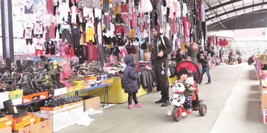 Başiskele'nin İlk Kapalı Semt Pazarı Açıldı