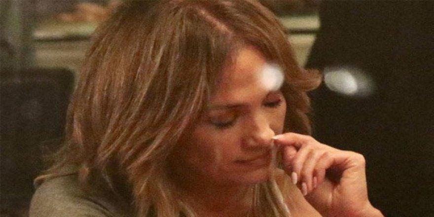 İrem Derici'den Jennifer Lopez'e burun karışma desteği!