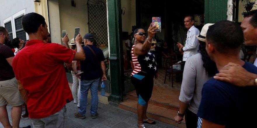 ABD, Küba'ya yaptırımları genişletiyor