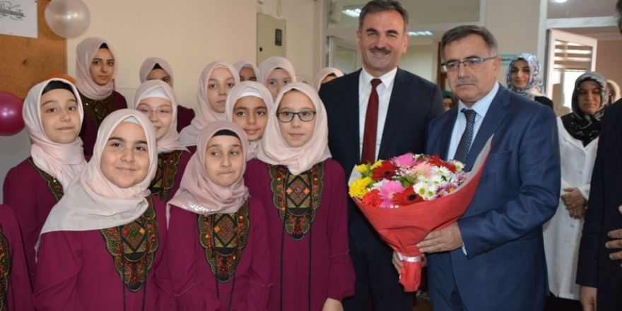 Amine Hatun Yatılı Kız Kur'an Kursu Dualarla Açıldı