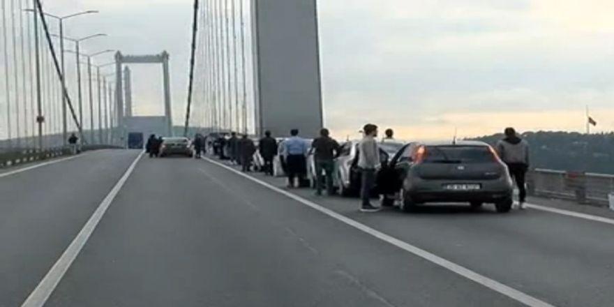 15 Temmuz Şehitler Köprüsü'nde Saat 09.05'te Hayat Durdu
