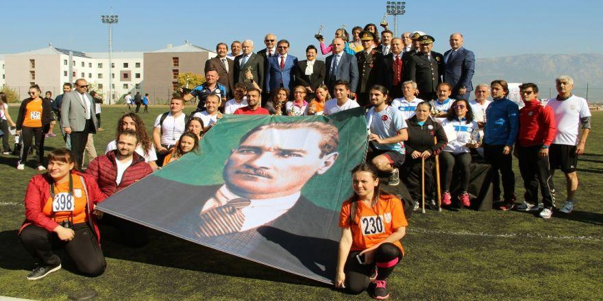 25'inci Atatürk Yol Koşusu Yapıldı