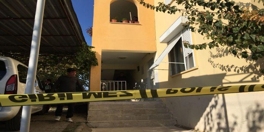 Dehşet: Bir Evden 3 Ceset Çıktı