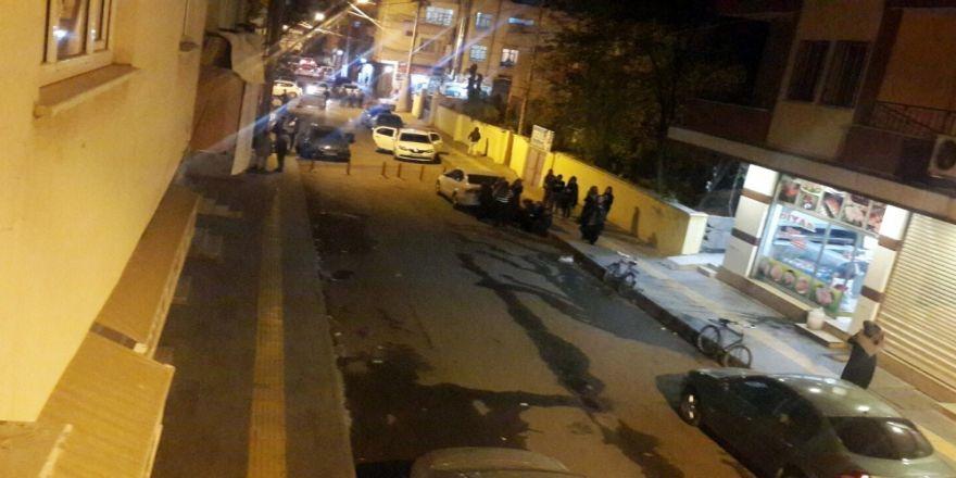 Türkiye'de De Hissedildi: Vatandaşlar Kendini Sokağa Attı