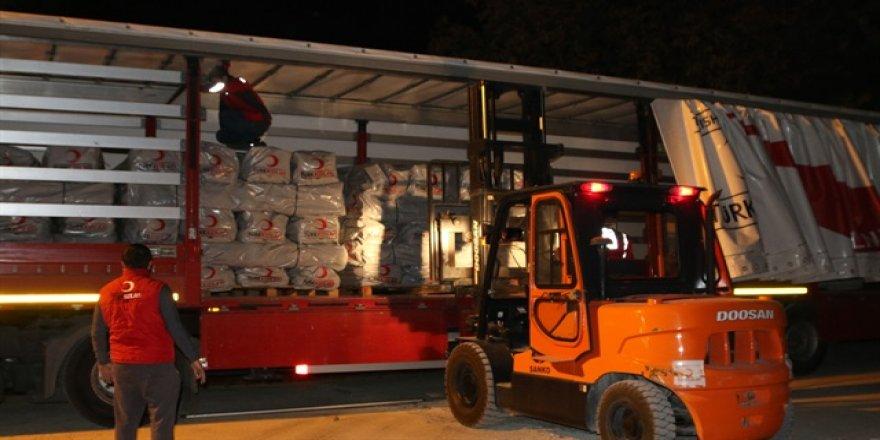 Kızılay Irak'taki afet bölgesine yardım göndermeye başladı