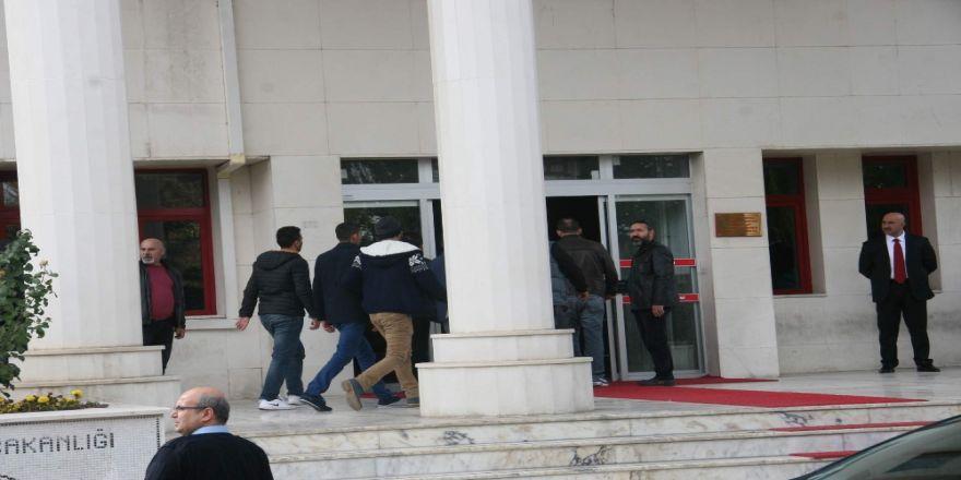 Afyonkarahisar'da Fetö Operasyonu: 17 Gözaltı