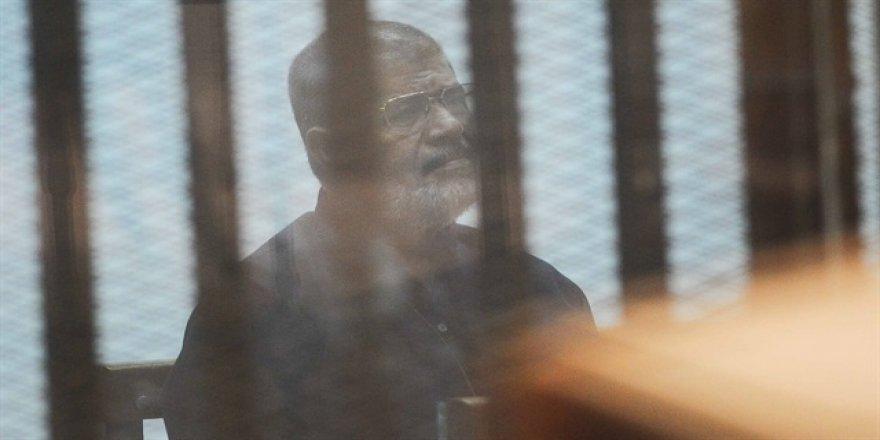 Muhammed Mursi için 'sağlık kontrolü' kararı